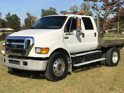 2005 Ford Other Pickups  2005 Ford f650 crew cab flatbed low miles