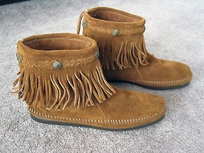 NEW Minnetonka Women's Moccasin Fringe Boots - Zip Back - Brown Suede - Size 8