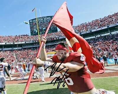 Baker Mayfield Oklahoma Sooners Football Signed 8X10 Photo Rp Flag Carry