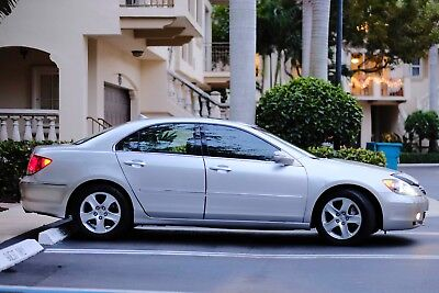 2005 Acura RL  acura rl 2005 great condition