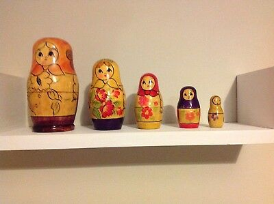 Vintage Russian Wooden Nesting Dolls set of 5, tallest 11cm