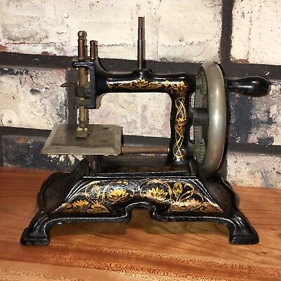 Antique Muller Model 15 Cast Iron Toy Hand Crank Sewing Machine