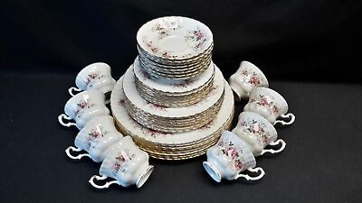Royal Albert England Bone China Lavender Rose Set of 8 Five Piece Place Settings