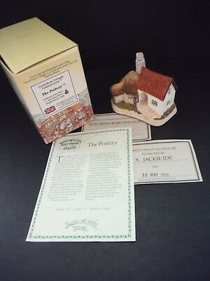"Rare 1990 David Winter Collectors Guild""The Pottery"" Retired New/mib /coa"