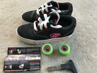 Heelys Roller Shoes, size  USA1, UK13 - in very good used condition