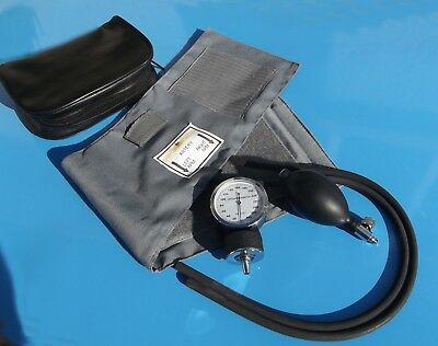 SPHYGMOMANOMETER - blood pressure meter & cuff with leatherette bag, unboxed k10
