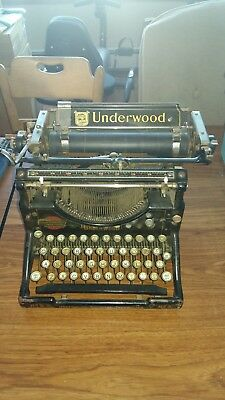 Approx 1920's Antique Underwood No 5 Manual Typewriter (non working)