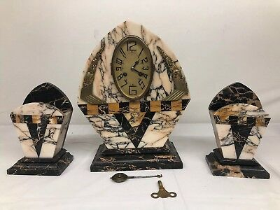 Antique Vintage French Marble Mantel clock Runs With Key, Pendulum, And Side