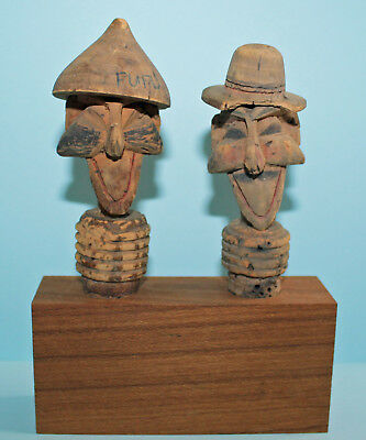 Alte Kork Zierkorken / Flaschenkorken / 2 Carved Cork Bottle Stoppers Man Head