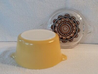 Vintage Pyrex Light Yellow Covered Casserole #473