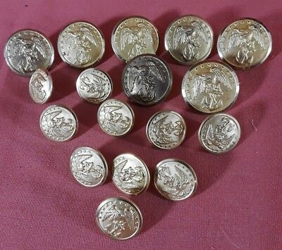 Lot of 17 Marked Waterbury WW2 USMC Eagle & Anchor Brass Buttons