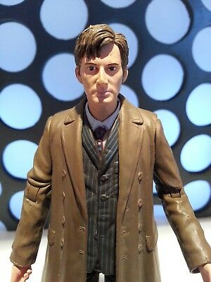 """10Th Doctor Who Long Brown Coat Pinstripe Suit White Shoes Sneakers5"""" Figure"""