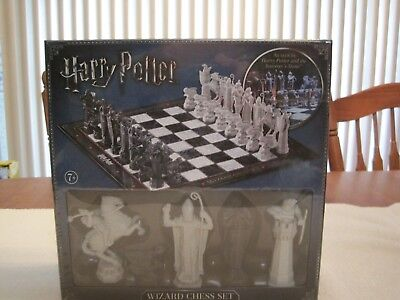 Harry Potter Wizard Chess Set The Noble Collection--New--Factory Sealed