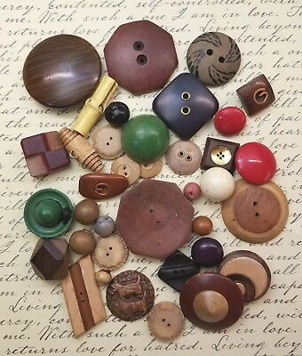 32 Vintage Wooden Buttons, Burwood Scotty Dog, Hat, Inlay
