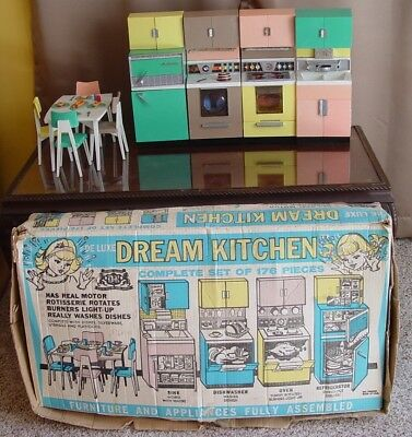 HTF Vintage Barbie DeLuxe Reading Dream Kitchen with Original Box