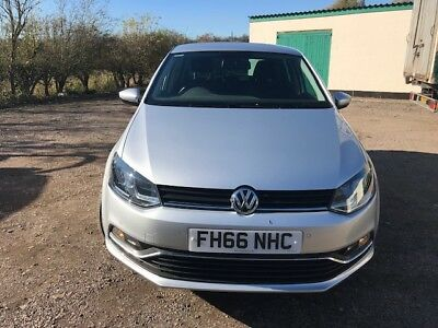 Volkswagen polo match in Silver excellent condition