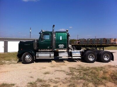 2004 Western Star W/ Transcraft Trailer and Moffet Forklift