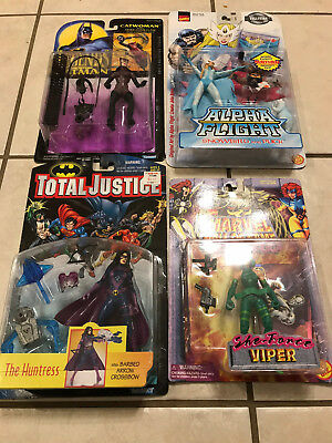 Marvel Dc Comics Universe Female Figure Lot Of 4 Carded Catwoman Snowbird Viper