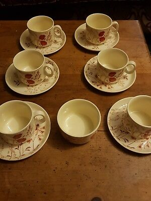 VINTAGE J&G MEAKIN - RETRO  6 cups and saucers plus sugar bowl, immaculate.
