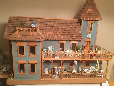Large victorian dollhouse