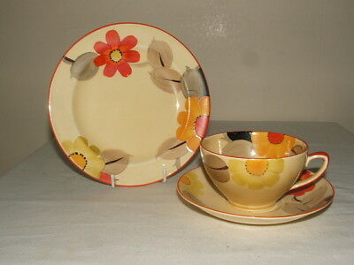 Susie Cooper 4 Grays Art Deco Handpainted Marigolds Tea Trio Truly Stunning