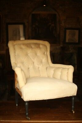 Elegant Napoleon III Buttoned armchair with turned legs