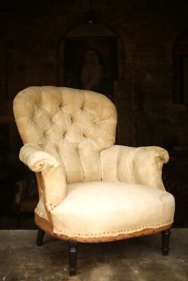 Napoleon III Deep buttoned back large proportioned armchair