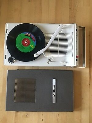 Vintage 70s Welltron Portable Transistor Radio/Phono.  Working Perfectly!