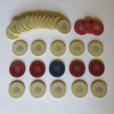 Lot of 32 Vintage Antique Beehive Clay Poker Chip 24 White 7 Red 1 Blue Bee Hive