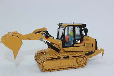 Cat Caterpillar 963K Track Loader With Operator 1:50 By Diecast Masters Dm85572