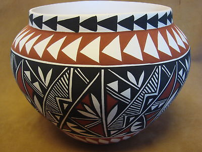Native American Acoma Pot Hand Painted by Lee Concho PT0163