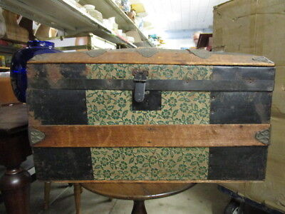 1800's or early 1900's Small  hump Top Steamer Trunk Antique Vintage Camel hump