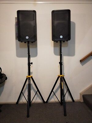 """Yamaha DBR12 1000W Powered Speaker System + Hercules Stands """"Never Used"""""""