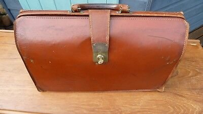 Quality Vintage Leather Attache Case - Gladstone Style - Cheney Locks & Key