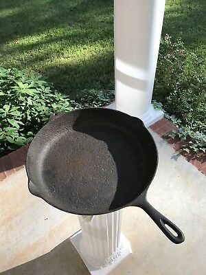 """Huge Vintage 15"""" Cast Iron Skillet Double Spout Made In USA"""