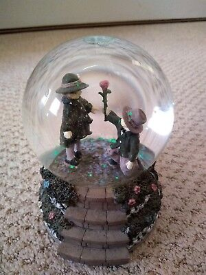 """Kim Anderson """"forever Young"""" Musical snow globe, used"""
