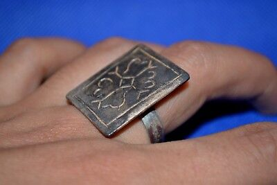 LOW OUTBID !! Ancient Viking Norse SILVER RING engraved Warrior and symbols RARE