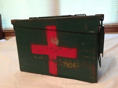 Vintage Military Medic Box * old First Aid AMMO BOX * Red Cross medical ammo box