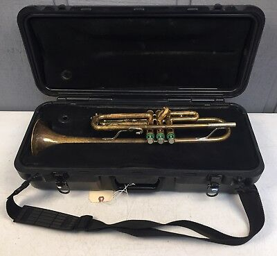 Bundy Model 1530 Trumpet In Good Playing Condition 755506