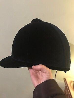 Charles Owen H2000 Size 59 Showing Hat
