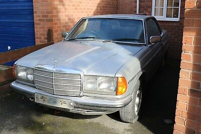 Mercedes W123 230 1981 Coupe