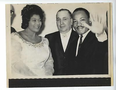 Original Martin Luther King & Mahalia Jackson Photo Vintage Chicago 6 1/2 X 9