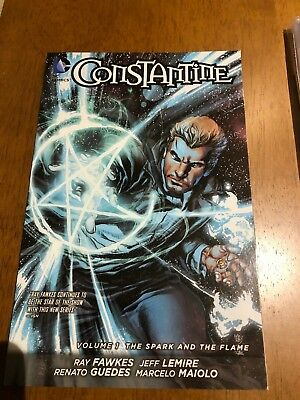 Constantine Volume 1: The Spark and the Flame TP (The New 52), Acceptable, Lemir