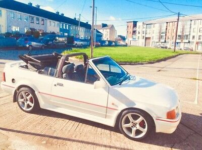 1987 White ford xr3i