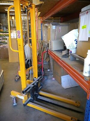 Slingsby manual Forklift - warehouse business yard loading pallet machinery work