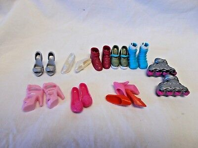 Lot Of Doll Shoes - Barbie + Others - Shoes, Boots, And Skates