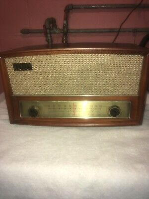 Vintage Zenith Long Distance AM / FM Tube Radio 35 Watts Used Tested & Works