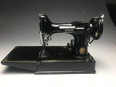 Vintage Singer Featherweight 221 Sewing Machine Case And Accessiories