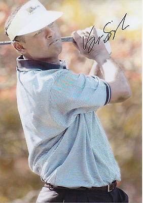 VEEJAY SINGH Signed 12x8 Photo GOLF CHAMPION  COA