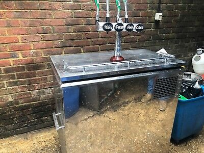 Mobile Bar Fully Working Coolers Recently Serviced